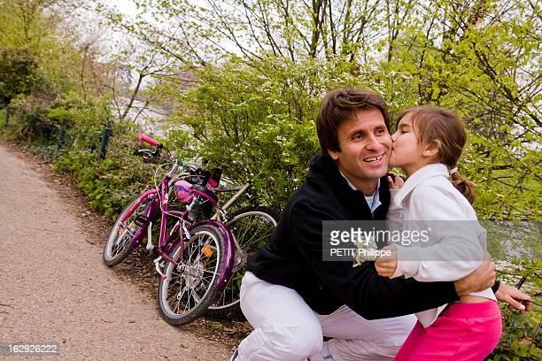 Rendezvous With Fabrice Santoro Fabrice SANTORO avec sa fille Djenae 6 ans à PARIS A 35 ans le vétéran des champions français s'apprête à disputer...