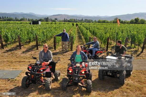 Rendezvous With Francis Ford Coppola In His Inglenook Property In The Napa Valley Rutherford 15 juillet 2011 Francis Ford COPPOLA posant avec une...