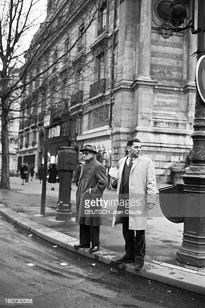 Rendezvous With Georges Perec En France à Paris dans le quartier latin le 23 novembre 1965 Georges PEREC écrivain dans la rue