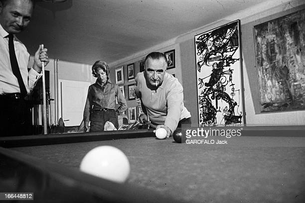 Rendezvous With Georges Pompidou And His Wife Claude In Their 'Maison Blanche' In Orvilliers Yvelines Orvilliers juillet 1965 Georges POMPIDOU joue...