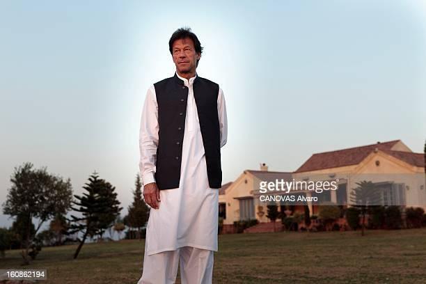 Rendezvous With Imran Khan Engagé en politique depuis 1996 élu député en 2002 l'ancien champion du monde de cricket Imran KHAN brigue le poste de...
