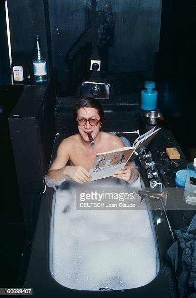 Rendezvous With Jacques Dutronc At Home Rendezvous avec Jacques DUTRONC dans sa maison du XIVème arrondissement à Paris dans la salle de bains...
