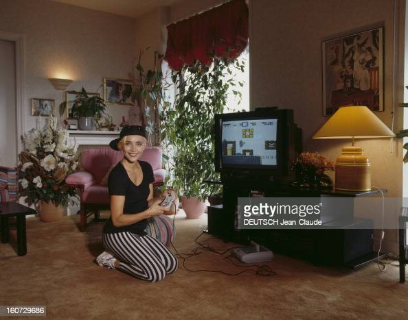 Jeanne mas photos et images de collection getty images - Jeanne mas et son mari ...