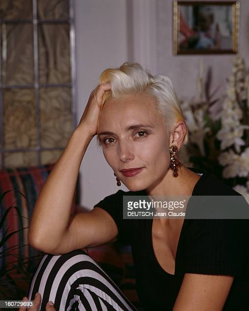 Rendezvous With Jeanne Mas A Neuillly portrait en intérieur de Jeanne MAS chez elle
