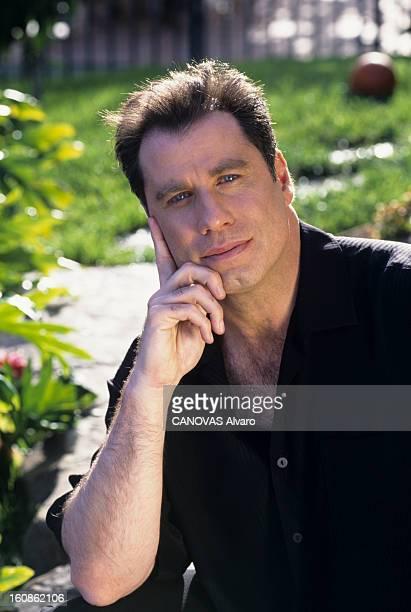 Rendezvous With John Travolta Aux EtatsUnis à LosAngeles en avril 1998 lors d'une rencontre portrait de John TRAVOLTA acteur à l'extérieur dans sa...