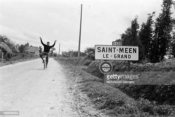 Rendezvous With Louison And Jean Bobet France SaintMéenleGrand 6 mai 1958 le cycliste français Louison Bobet s'apprête à participer au 45ème tour de...