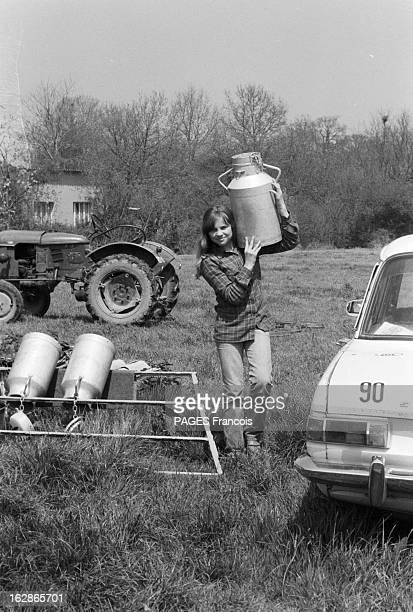 Rendezvous With Madeleine Desdevises France SaintAubinduPerron 14 mai 1979 l'actrice française Madeleine DESDEVISES est l'héroïne du film 'La...