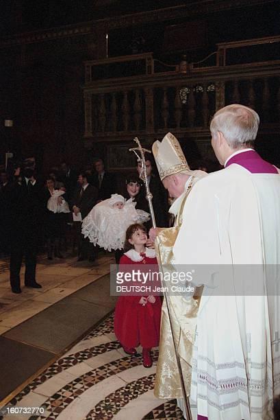 Rendezvous With Pope John Paul Ii In The Vatican En Italie au Vatican en janvier 1996 Le pape JEANPAUL II reçoit les journalistes de Paris Match et...