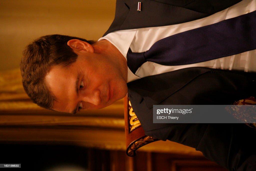 Rendezvous With Russia President <a gi-track='captionPersonalityLinkClicked' href=/galleries/search?phrase=Dmitry+Medvedev&family=editorial&specificpeople=554704 ng-click='$event.stopPropagation()'>Dmitry Medvedev</a>. A la veille de son voyage à Paris, Dmitri MEDVEDEV reçoit Paris Match dans la résidence présidentielle de Gorki, à une vingtaine de kilomètres de Moscou, où il habite avec sa famille : jeudi 18 février 2010, portrait de trois-quarts.