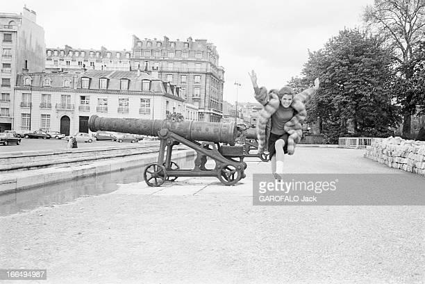 Rendezvous With Samantha Eggar In Paris France Paris 19 avril 1966 l'actrice anglaise Samantha EGGAR visite la capitale française Après un succès...