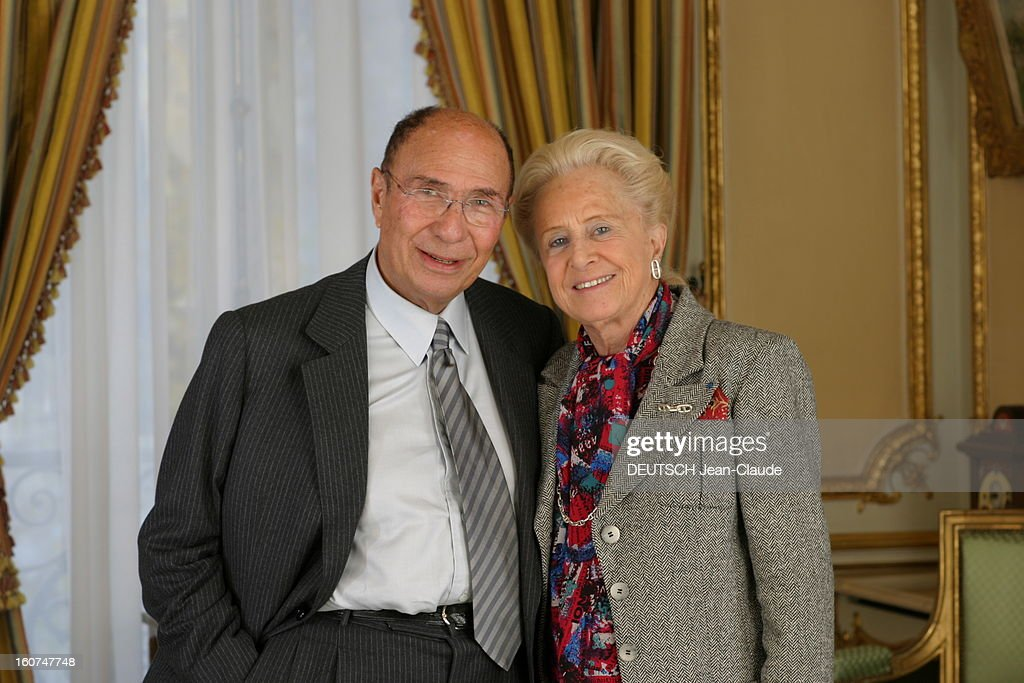 Rendezvous With <a gi-track='captionPersonalityLinkClicked' href=/galleries/search?phrase=Serge+Dassault&family=editorial&specificpeople=780308 ng-click='$event.stopPropagation()'>Serge Dassault</a> New Boss Of Figaro. Plan de face souriant de Serge DASSAULT et son épouse Nicole posant dans les salons XVIIIe du groupe, rond-point des Champs-Elysées à PARIS.