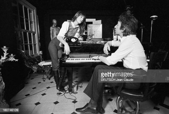 rendezvous with serge gainsbourg and jane birkin at home pictures getty images. Black Bedroom Furniture Sets. Home Design Ideas