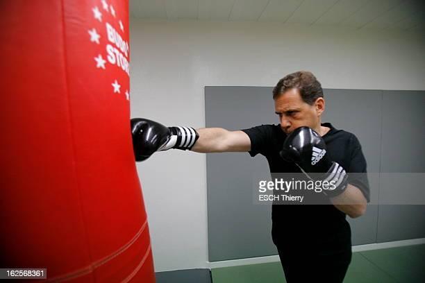 Rendezvous With The Minister Of Immigration Eric Besson Paris 26 avril 2010 Eric BESSON ministre de l'Immigration est un passionné de boxe Il s'est...