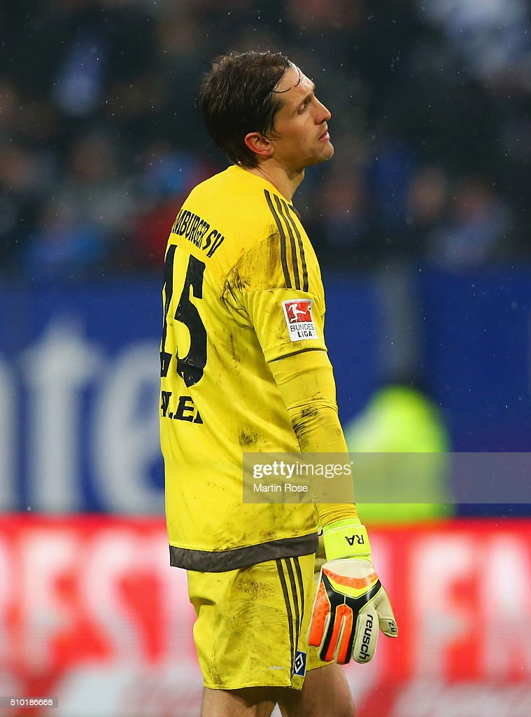 <a gi-track='captionPersonalityLinkClicked' href=/galleries/search?phrase=Rene+Adler&family=editorial&specificpeople=686184 ng-click='$event.stopPropagation()'>Rene Adler</a> of SV Hamburg looks dejected during the Bundesliga match between Hamburger SV and Borussia Moenchengladbach at Volksparkstadion on February 14, 2016 in Hamburg, Germany.