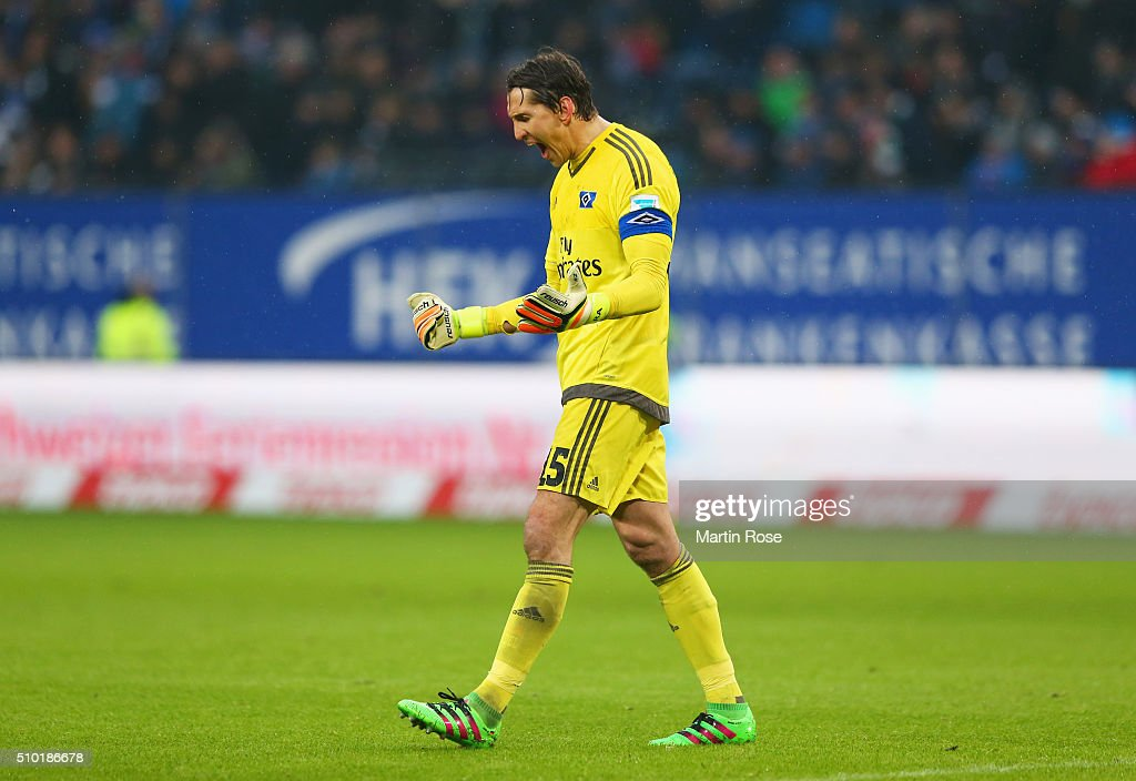 <a gi-track='captionPersonalityLinkClicked' href=/galleries/search?phrase=Rene+Adler&family=editorial&specificpeople=686184 ng-click='$event.stopPropagation()'>Rene Adler</a> of SV Hamburg reacts during the Bundesliga match between Hamburger SV and Borussia Moenchengladbach at Volksparkstadion on February 14, 2016 in Hamburg, Germany.