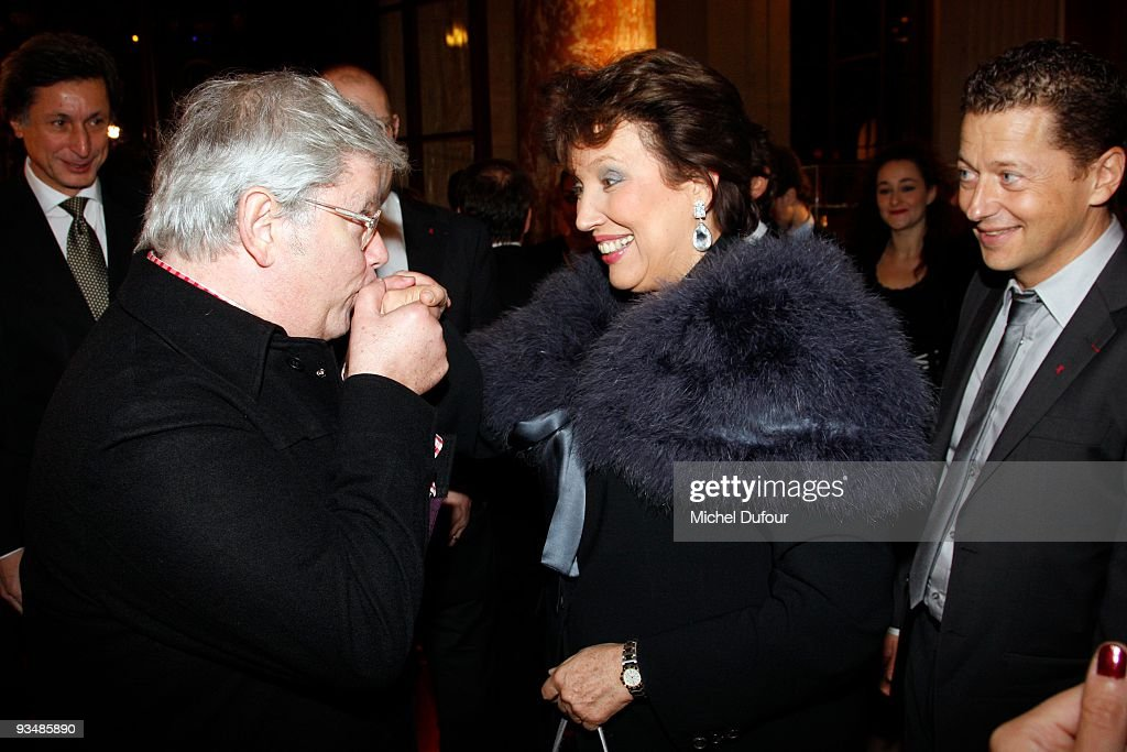 Rene Julien Praz and <a gi-track='captionPersonalityLinkClicked' href=/galleries/search?phrase=Roselyne+Bachelot&family=editorial&specificpeople=2369544 ng-click='$event.stopPropagation()'>Roselyne Bachelot</a> attend the 25th anniversary dinner for ''AIDS International'' at Les Beaux-Arts de Paris on November 28, 2009 in Paris, France.