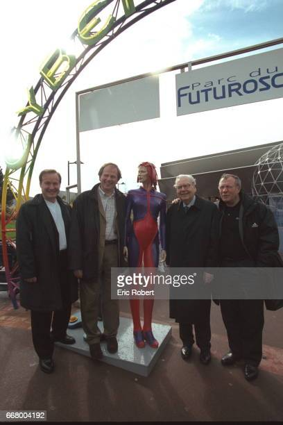 Rene Monory with the management of the Futuroscopepark