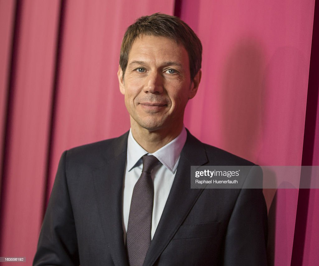 <a gi-track='captionPersonalityLinkClicked' href=/galleries/search?phrase=Rene+Obermann&family=editorial&specificpeople=655349 ng-click='$event.stopPropagation()'>Rene Obermann</a>, CEO of Deutsche Telekom AG, poses for a photograph on March 04, 2013 in Hanover, Germany.