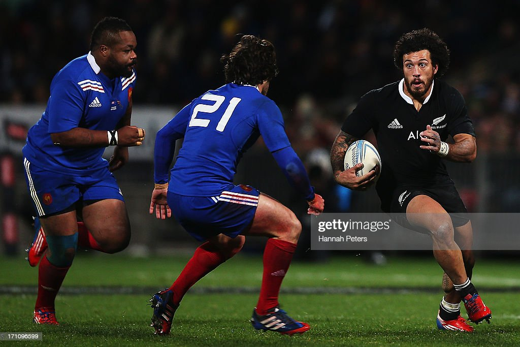 <a gi-track='captionPersonalityLinkClicked' href=/galleries/search?phrase=Rene+Ranger&family=editorial&specificpeople=1175061 ng-click='$event.stopPropagation()'>Rene Ranger</a> of the All Blacks makes a break during the Third Test Match between the New Zealand All Blacks and France at Yarrow Stadium on June 22, 2013 in New Plymouth, New Zealand.