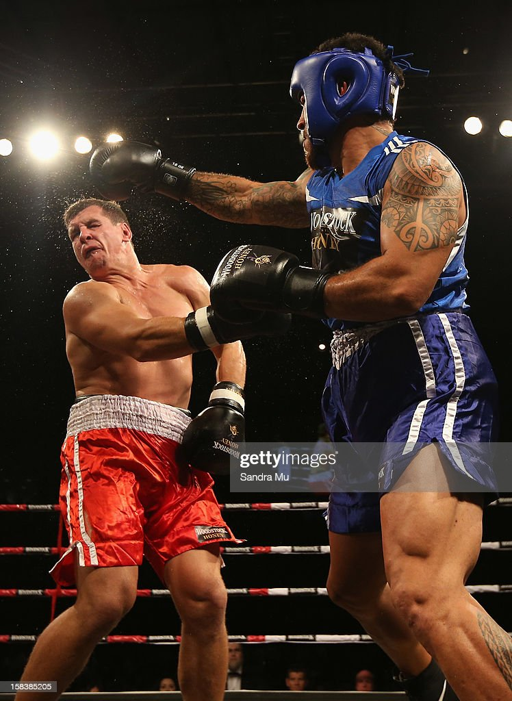 <a gi-track='captionPersonalityLinkClicked' href=/galleries/search?phrase=Rene+Ranger&family=editorial&specificpeople=1175061 ng-click='$event.stopPropagation()'>Rene Ranger</a> (R) punches Greg Bird during the bout between Greg Bird and <a gi-track='captionPersonalityLinkClicked' href=/galleries/search?phrase=Rene+Ranger&family=editorial&specificpeople=1175061 ng-click='$event.stopPropagation()'>Rene Ranger</a> during the 2012 Fight for Life at Trusts Stadium on December 15, 2012 in Auckland, New Zealand.