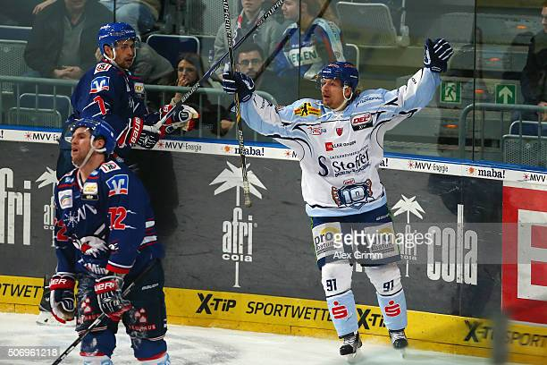 Rene Roethke of Straubing celebrates his team's fifth goal during the DEL match between Adler Mannheim and Straubing Tigers at SAP Arena on January...