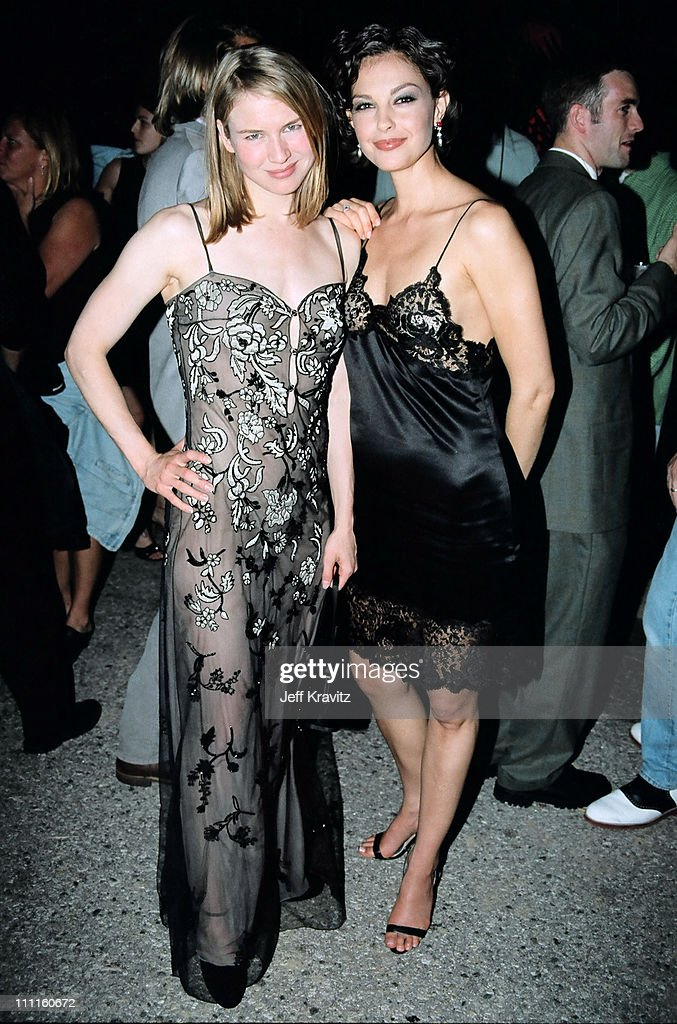 Rene Zellweger and <a gi-track='captionPersonalityLinkClicked' href=/galleries/search?phrase=Ashley+Judd&family=editorial&specificpeople=171188 ng-click='$event.stopPropagation()'>Ashley Judd</a> during 1997 MTV Movie Awards in Los Angeles, California, United States.
