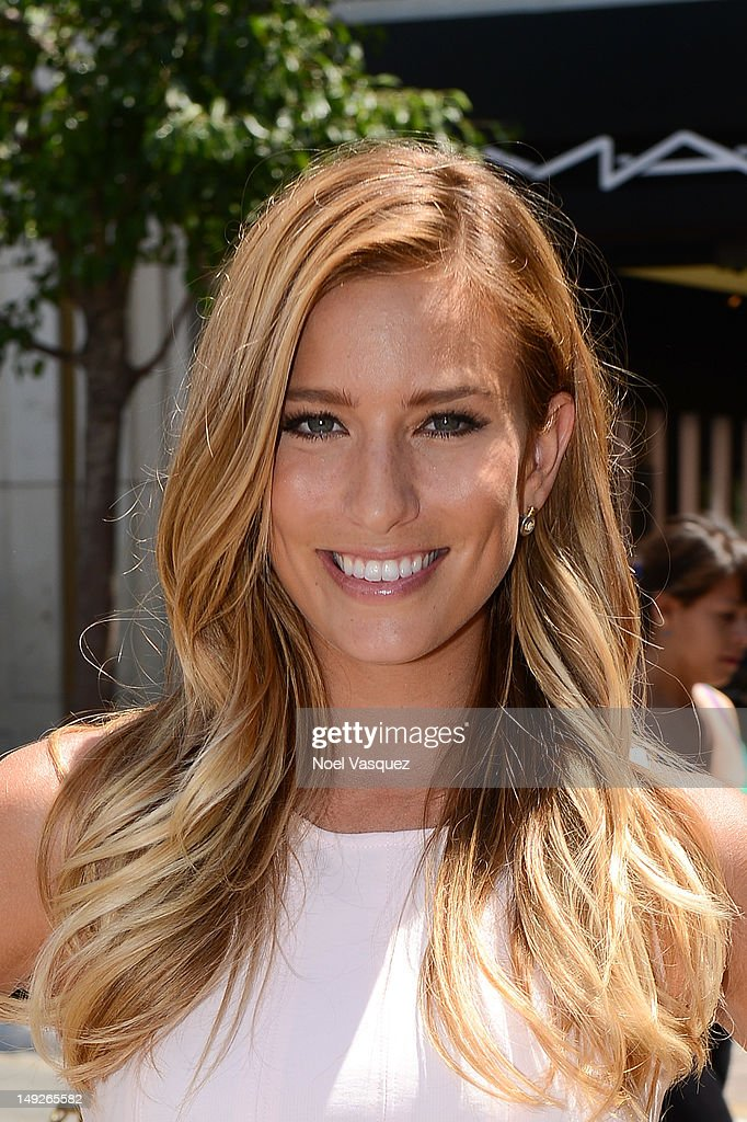 Renee Bargh visits 'Extra' at The Grove on July 25, 2012 in Los Angeles, California.