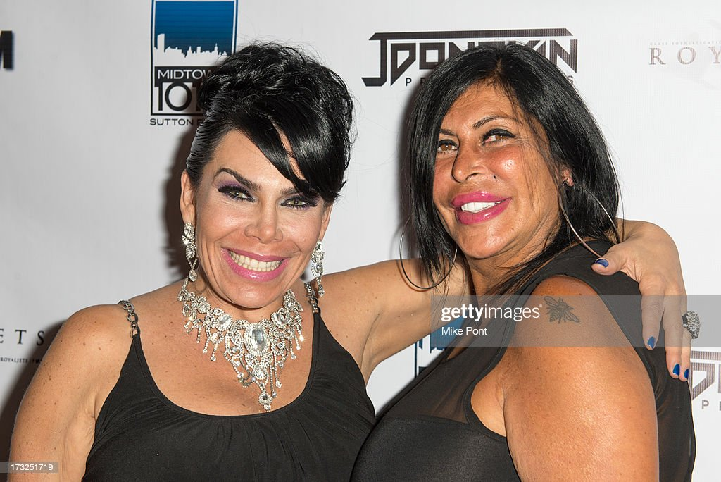 <a gi-track='captionPersonalityLinkClicked' href=/galleries/search?phrase=Renee+Graziano&family=editorial&specificpeople=7643222 ng-click='$event.stopPropagation()'>Renee Graziano</a> and Angela '<a gi-track='captionPersonalityLinkClicked' href=/galleries/search?phrase=Big+Ang&family=editorial&specificpeople=8749866 ng-click='$event.stopPropagation()'>Big Ang</a>' Raiola attend <a gi-track='captionPersonalityLinkClicked' href=/galleries/search?phrase=Renee+Graziano&family=editorial&specificpeople=7643222 ng-click='$event.stopPropagation()'>Renee Graziano</a>'s Celebrity Dinner Party at Midtown 1015 on July 10, 2013 in New York City.