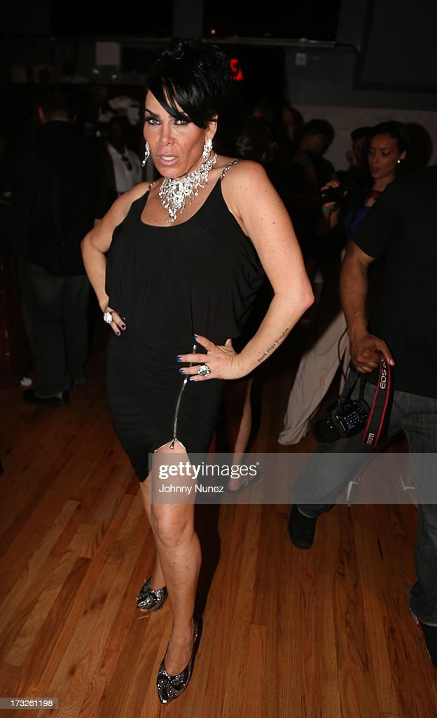 <a gi-track='captionPersonalityLinkClicked' href=/galleries/search?phrase=Renee+Graziano&family=editorial&specificpeople=7643222 ng-click='$event.stopPropagation()'>Renee Graziano</a> attends a dinner party at Midtown 1015 on July 10, 2013 in New York City.