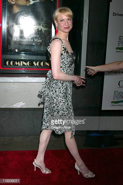 Renee Zellweger during 'Cinderella Man' New York City Premiere Outside Arrivals at Loews Lincoln Square Theatre in New York City New York United...