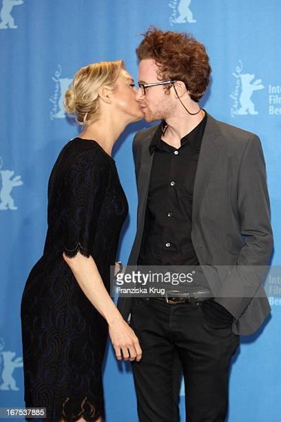 Renee Zellweger Und Mark Rendall Beim 'My One And Only' Photocall Bei Der 59 Berlinale In Berlin
