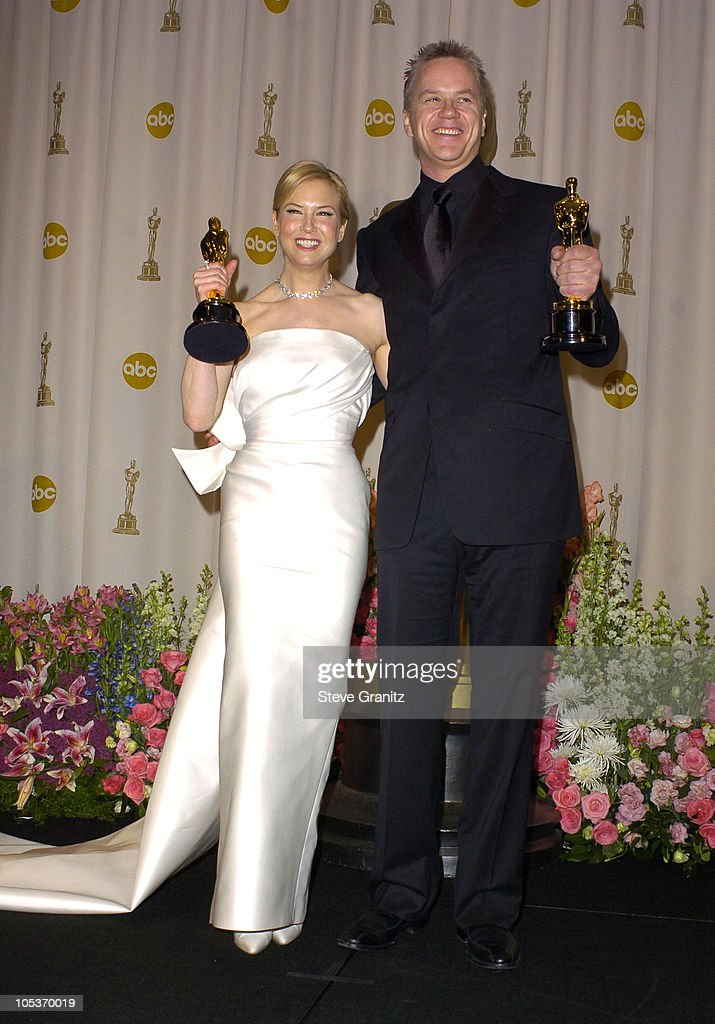 Renee Zellweger, winner of Best Supporting Actress for 'Cold Mountain' and Tim Robbins, winner of Best Supporting Actor for 'Mystic River'