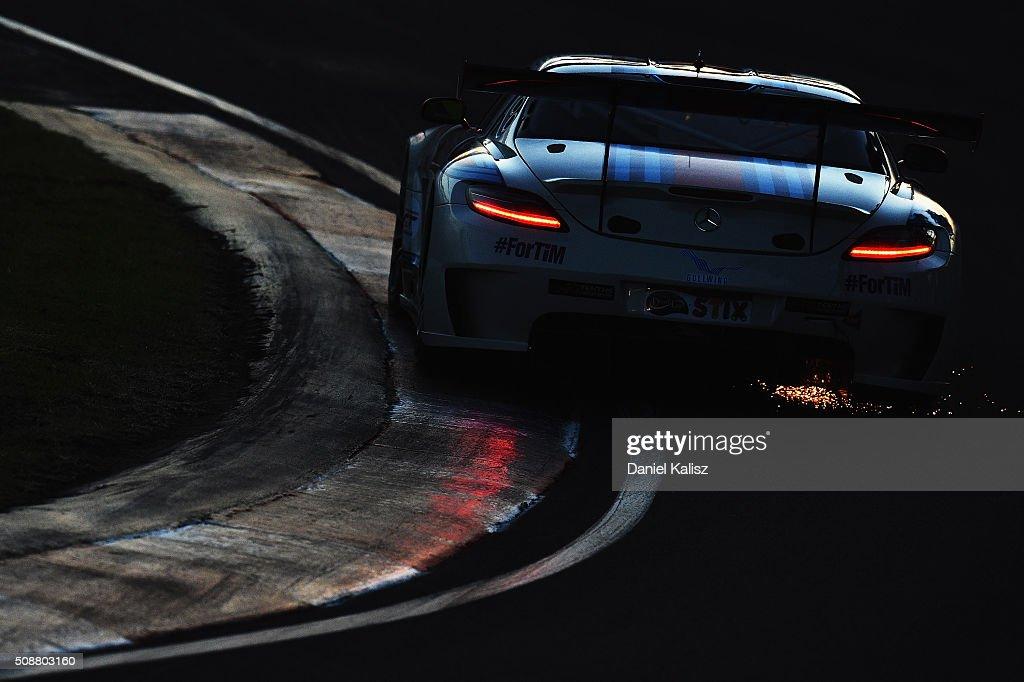 Renger Van der Zande drives the #33 MISHUMOTORS Mercedes-Benz SLS AMG GT3 during the Bathurst 12 Hour Race at Mount Panorama on February 7, 2016 in Bathurst, Australia.