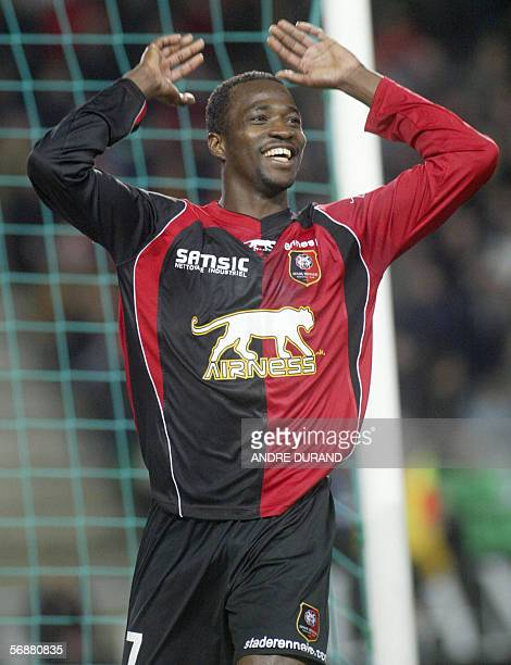 Rennes's Nigerian forward John Chukwudi Utaka jubilates after scoring a goal during the French L1 football match Rennes vs Lens 18 February 2006 in...
