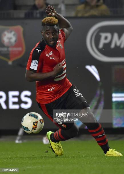 Rennes' French defender Joris Gnagnon controls the ball during the French L1 football match Rennes vs Dijon at the Roazhon Park stadium in Rennes...