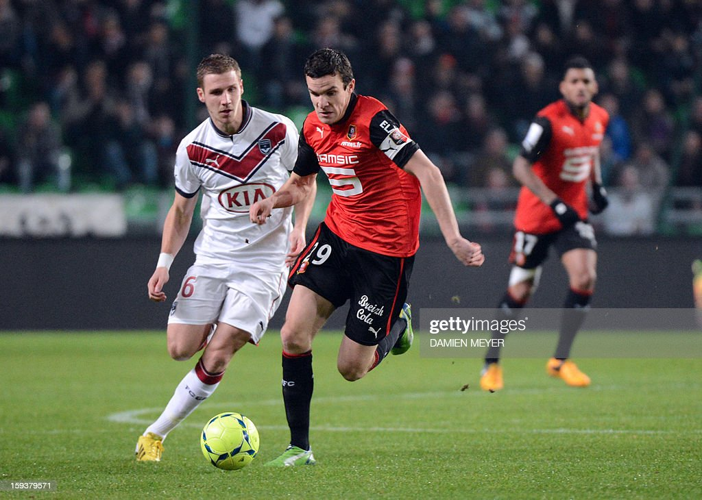 Rennes' French defender Romain Danze (R) vies with Bordeaux's French midfielder Gregory Sertic during a French L1 football match between Rennes and Bordeaux on January 12, 2013 at the route de Lorient stadium in Rennes, western France.
