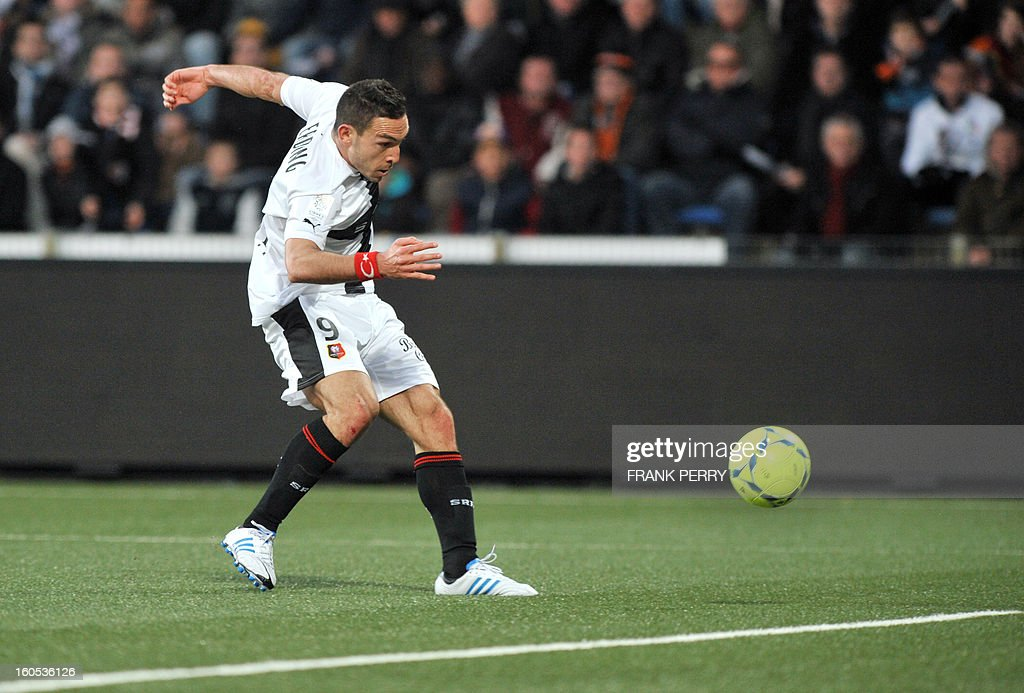Rennes' French forward Mevlut Erding shoots to score during a French L1 football match between Lorient and Rennes on February 2, 2013 at the Moustoir Stadium in Lorient, western France.