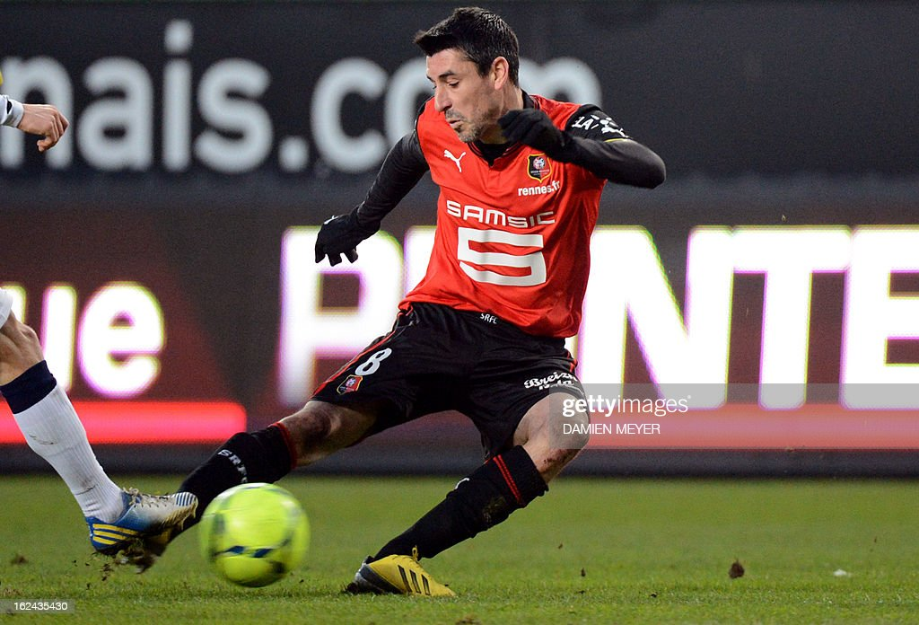 Rennes' French midfielder Julien Feret kicks the ball during the French L1 football match Rennes against Sochaux on February 23, 2013 at the route de Lorient stadium in Rennes, western France.