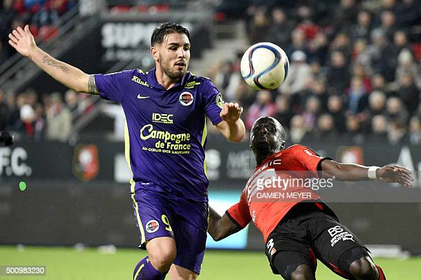 Rennes' FrenchSenegalese defender Cheik M'bengue vies with Caen's French forward Andy Delort during the French L1 football match Rennes against Caen...
