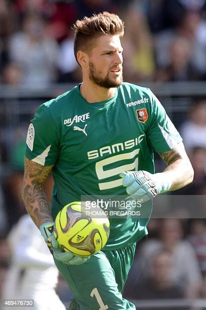 Rennes' goalkeeper Benoit Costil holds the ball during the French L1 football match between Rennes and Guingamp on April 12 2015 at the Route de...