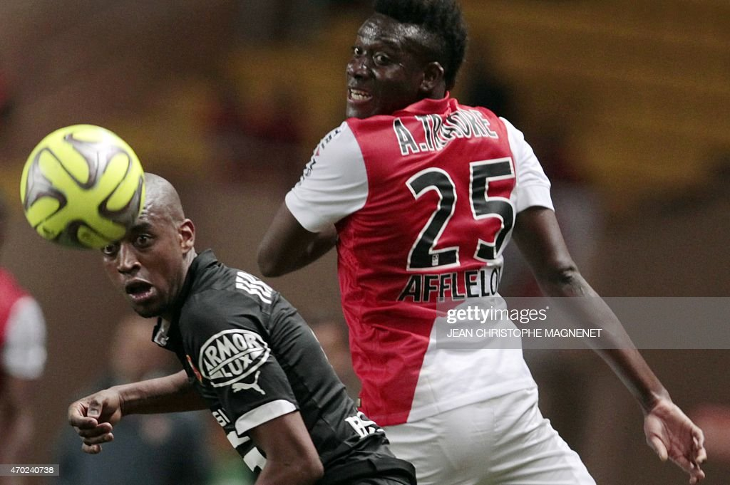 Rennes' Swiss midfielder <a gi-track='captionPersonalityLinkClicked' href=/galleries/search?phrase=Gelson+Fernandes&family=editorial&specificpeople=2971817 ng-click='$event.stopPropagation()'>Gelson Fernandes</a> (L) vies with Monaco's Burkina Faso midfielder <a gi-track='captionPersonalityLinkClicked' href=/galleries/search?phrase=Alain+Traore&family=editorial&specificpeople=4146262 ng-click='$event.stopPropagation()'>Alain Traore</a> (R) during the French L1 football match between Monaco and Rennes on April 18, 2015, at the Louis II Stadium in Monaco.