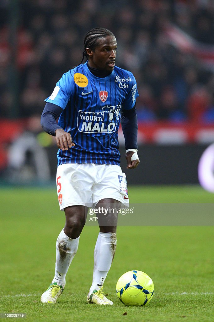 Rennes's defender Bernard Mendy controls the ball during the French L1 football match Rennes versus Brest on December 8, 2012 at Route de Lorient stadium in Rennes, western France.