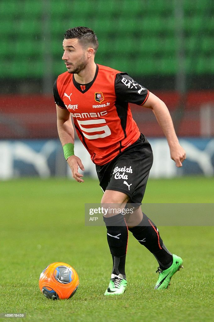 Rennes's forward Romain Alessandrini controls the ball during the French L1 football match between Rennes and Montpellier on February 15, 2014 at the Route de Lorient stadium in Rennes, western France.