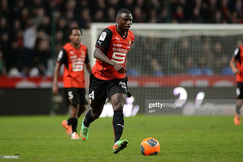 Rennes's French forward Paul-Georges NTep competes during the French L1 football match between Rennes and Montpellier on February 15, 2014 at the Route de Lorient stadium in Rennes, western France. AFP PHOTO / THOMAS BREGARDIS