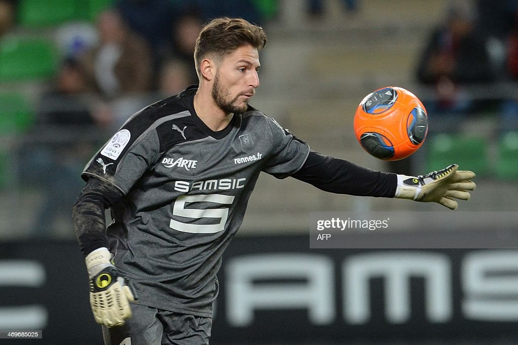 Rennes's French goalkeeper Benoit Costil competes during the French L1 football match between Rennes and Montpellier on February 15, 2014 at the Route de Lorient stadium in Rennes, western France.