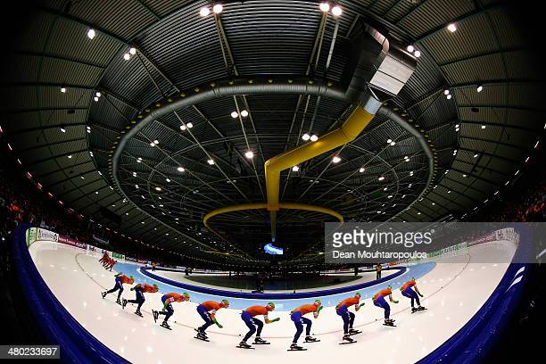 Renz Rotteveel of The Netherlands competes in the mens 10000m race during day two of the Essent ISU World Allround Speed Skating Championships at the...