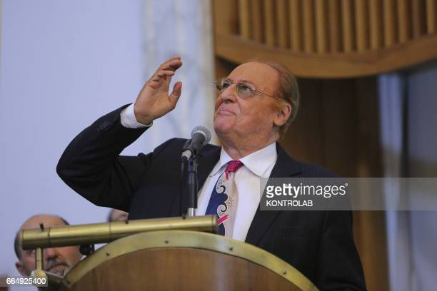 Renzo Arbore songwriter and passionate of Naples simulates to talk to Toto during a time of celebration of conferring an honorary degree to the...