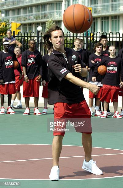 REO507/15/05Nash112230Rick Eglinton Toronto StarSteve Nash Canadian superstar MVP with the NBA in Toronto for Nike All Canada CampsNash shown here at...