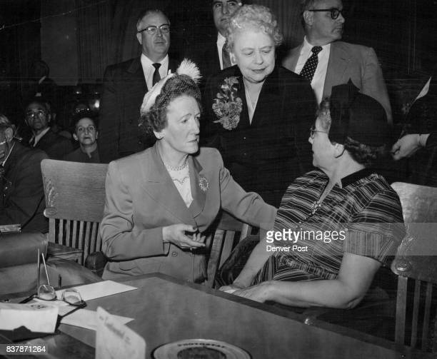 1121955 ***** rep betty pellet of rice house minority leader leans over to chat with marguerite Peyton Thompson democratic national committeewoman...