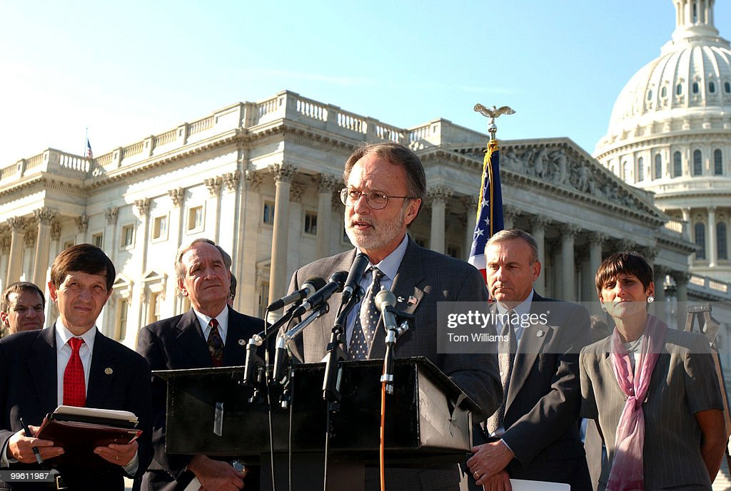 Rep. Dave Bonior, D-Mich., speals at a press conference in support of American workers who are unemployed due to lay offs as a result of the attacks on 9/11/01. From left are Dennis Kucinich, D-Ohio, Sen. Tom Harkin, D-Iowa, Bonior, Michael Sullivan, President of Sheet Metal Worker's Association, and Rep. Rosa DeLauro, D-Conn.